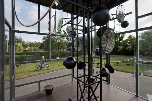 Interiør, skulptur til Margrethe Reedtz Skolen.